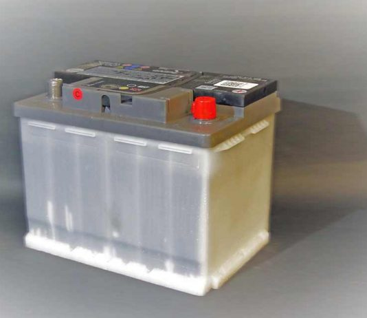how much lead is in a car battery
